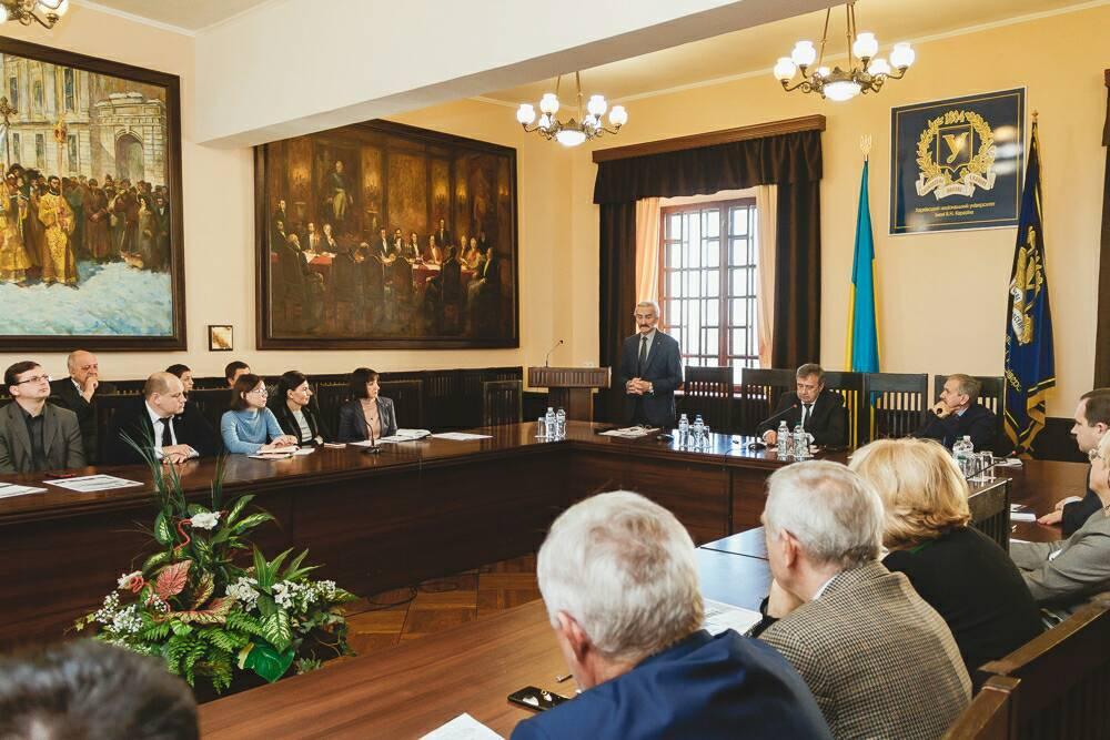 Представники кафедри взяли участь у роботі круглого столу «Каразінський університет: погляд у майбутнє»