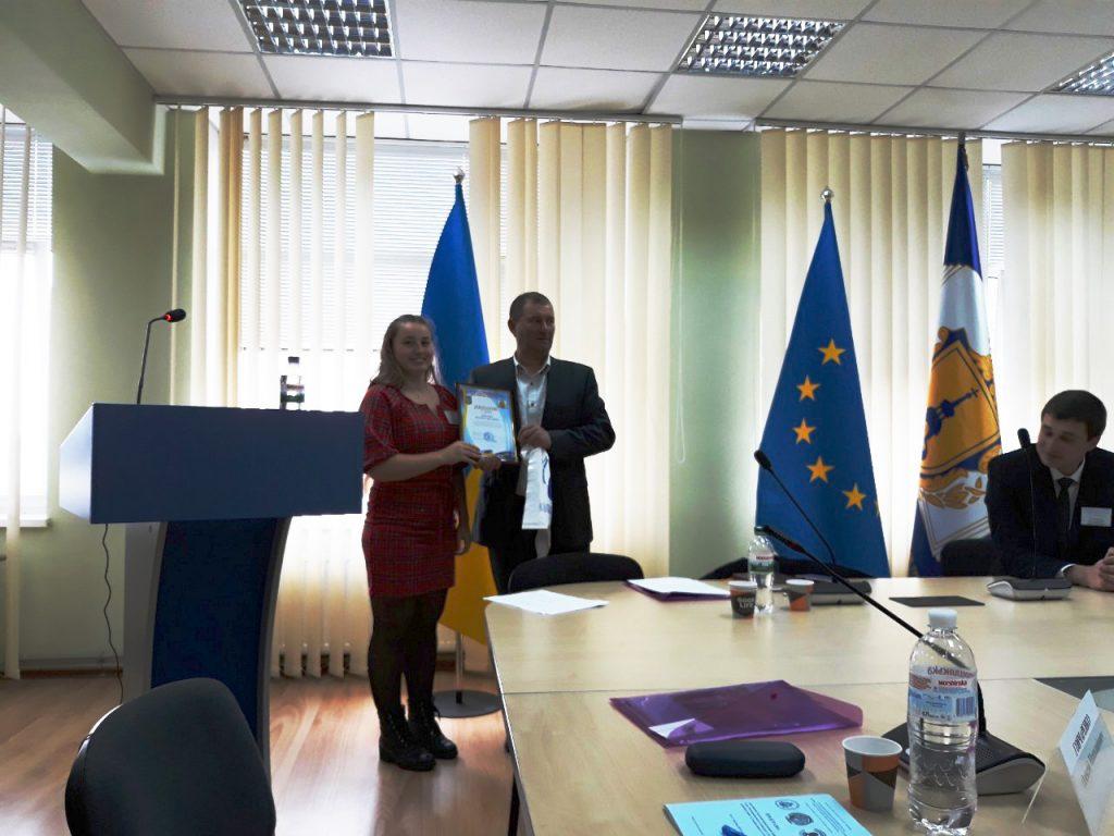 Вітаємо Людмилу  Микалюк із ІІІ місцем на Всеукраїнському конкурсі наукових студентських робіт!