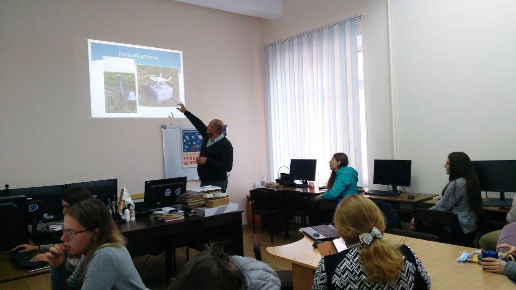 На кафедрі відбулася зустріч із начальником геодезичного відділу ТОВ «Земстройпроект» — Максимом СОБОЛЄВИМ