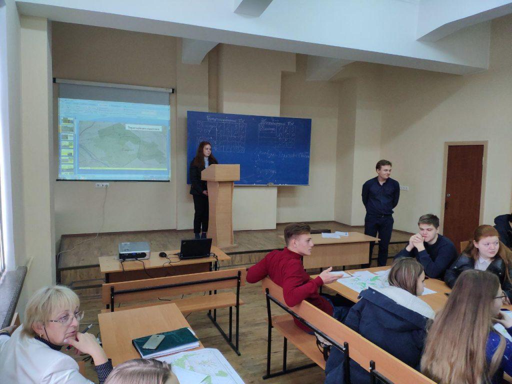 Відбувся топографічний турнір для студентів 1-го курсу